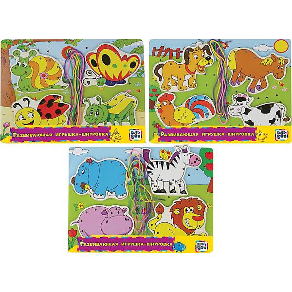 Развивающая игрушка-шнуровкаШнуровки<br>Характеристики товара:<br><br>• возраст: от 3 лет;<br>• цвет и тематика в ассортименте;<br>• комплект: доска, шнурки, 4 фигурки;<br>• размер доски: 22x30x0,5 см.;<br>• материал: дерево, текстиль;<br>• упаковка: пленка;<br>• наименование бренда: Kribly Boo (Крибли Бу);<br>• страна изготовитель: Китай.<br><br>Развивающая игрушка-шнуровка от производителя Kribly Boo предназначена для малышей. <br><br>В набор входят деревянные детали и шнурки, которые нужно вдеть в соответствующие отверстия. Яркие краски картинки и понятный для малыша сюжет делают игрушку привлекательной. <br><br>Играя с таким набором ребенок тренирует важнейшие качества, необходимые для правильного развития - мелкую моторику, логическое и пространственное мышление. <br><br>Цвет и тематика игрушки в ассортимете, уточняйте при заказе товара.<br><br>Развивающую игрушку-шнуровку от Kribly Boo, цвет в ассортименте,  можно купить в нашем интернет-магазине.<br>Ширина мм: 300; Глубина мм: 300; Высота мм: 5; Вес г: 25; Возраст от месяцев: 36; Возраст до месяцев: 2147483647; Пол: Унисекс; Возраст: Детский; SKU: 7423321;