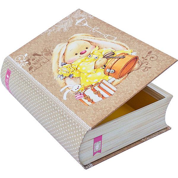 Коробка Книжка ЗайкаМи 21,5*15,7*5,8 смДетские подарочные коробки<br>Характеристики товара:<br><br>• размер коробки: 21,5х15,7х5,8 см;<br>• цвет: бежевый;<br>• материал: картон, бумага;<br>• плотность: 1000г/м3;<br>• размер упаковки: 21,5х15,7х5,8 см;<br>• страна бренда: Россия.<br><br>Стильная коробка «Книжка Зайка Ми» станет приятным дополнением к подарку близкому человеку. Коробка изготовлена из картона плотностью 100г/м3, поэтому она также подойдет для хранения аксессуаров и различных безделушек. Коробка выполнена в виде книжки с бежевой обложкой, на которой расположено изображение Зайки Ми.<br><br>Коробку «Книжка ЗайкаМи» 21,5*15,7*5,8 см, Hobby&amp;You (Хобби и Ты) можно купить в нашем интернет-магазине.<br>Ширина мм: 157; Глубина мм: 58; Высота мм: 215; Вес г: 360; Возраст от месяцев: 36; Возраст до месяцев: 2147483647; Пол: Унисекс; Возраст: Детский; SKU: 7454246;
