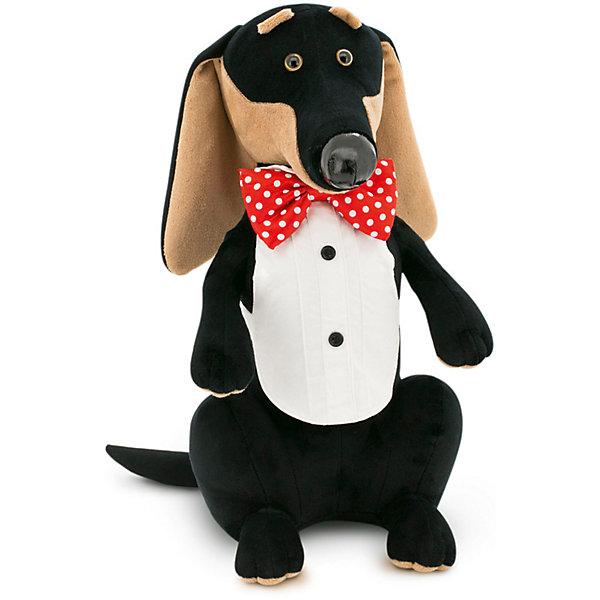 Мягкая игрушка Orange Такса Чарли, 20 смМягкие игрушки животные<br>Характеристики товара:<br><br>• возраст: от 3 лет;<br>• цвет: черный;<br>• высота игрушки: 20 см.;<br>• состав: искусственный мех, текстиль, пластик, наполнитель;<br>• упаковка: картонная коробка;<br>• вес в упаковке: 100 гр.;<br>• бренд, страна: Orange, Россия;<br>• страна-производитель: Китай.<br><br>Мягкая игрушка «Такса Чарли» торговой марки Orange может привести в восторг многих детей. Послужит ребенку не только отличном подарком, но и украсит интерьер дома, придаст комнате атмосферу уюта и тепла. С плюшевой таксой можно весело играть, спать и гулять.<br><br>Пес наряжен в необычную рубашку, а на его шее красуется очаровательная бабочка. Размер игрушки составляет 20 см. Выполнена из искусственного меха, приятного на ощупь; в качестве наполнителя использованы полиэфирное волокно и полиэтиленовые гранулы. Аккуратно простроченные швы надежно удерживают внутреннюю набивку. <br><br>Все игрушки Российской компании Orange имеют свою яркую индивидуальность, но их, безусловно, объединяет отменное качество, стильный дизайн, привлекательные цены и любовь детей, которые уже познакомились с этими уникальными игрушками.<br><br>Мягкую игрушку «Такса Чарли», сидячий, 20 см., Orange можно купить в нашем интернет-магазине.<br>Ширина мм: 110; Глубина мм: 140; Высота мм: 200; Вес г: 125; Возраст от месяцев: 36; Возраст до месяцев: 180; Пол: Унисекс; Возраст: Детский; SKU: 7462213;