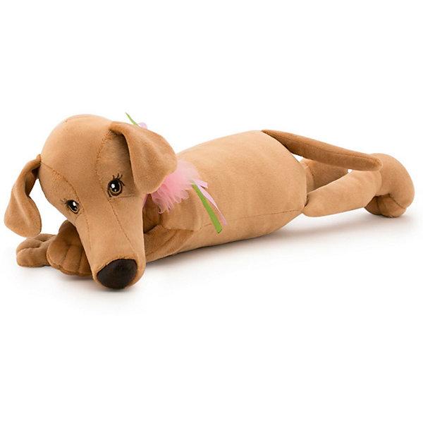 Мягкая игрушка Orange Собака Мия, 35 см (лежачая)Символ года<br>Характеристики товара:<br><br>• возраст: от 3 лет;<br>• цвет: бежевый;<br>• высота игрушки: 35 см.;<br>• состав: искусственный мех, текстиль, пластик, наполнитель;<br>• упаковка: картонная коробка;<br>• вес в упаковке: 350 гр.;<br>• бренд, страна: Orange, Россия;<br>• страна-производитель: Китай.<br><br>Мягкая игрушка «Собака Миа» торговой марки Orange может привести в восторг многих детей. Послужит ребенку не только отличном подарком, но и украсит интерьер дома, придаст комнате атмосферу уюта и тепла. С Мией можно весело играть, спать и гулять.<br><br>Милая плюшевая собачка грациозно прилегла, положив голову на скрещенные лапки. На шее у Мии гламурный бант, который украшен большим сверкающим розовым сапфиром.<br><br>Игрушка выполнена из искусственного меха, приятного на ощупь; в качестве наполнителя использованы полиэфирное волокно и полиэтиленовые гранулы. Аккуратно простроченные швы надежно удерживают внутреннюю набивку. <br><br>Все игрушки Российской компании Orange имеют свою яркую индивидуальность, но их, безусловно, объединяет отменное качество, стильный дизайн, привлекательные цены и любовь детей, которые уже познакомились с этими уникальными игрушками.<br><br>Мягкую игрушку «Собака Миа», лежачая, 35 см., Orange можно купить в нашем интернет-магазине.<br><br>Ширина мм: 120<br>Глубина мм: 80<br>Высота мм: 350<br>Вес г: 350<br>Возраст от месяцев: 36<br>Возраст до месяцев: 180<br>Пол: Унисекс<br>Возраст: Детский<br>SKU: 7462215