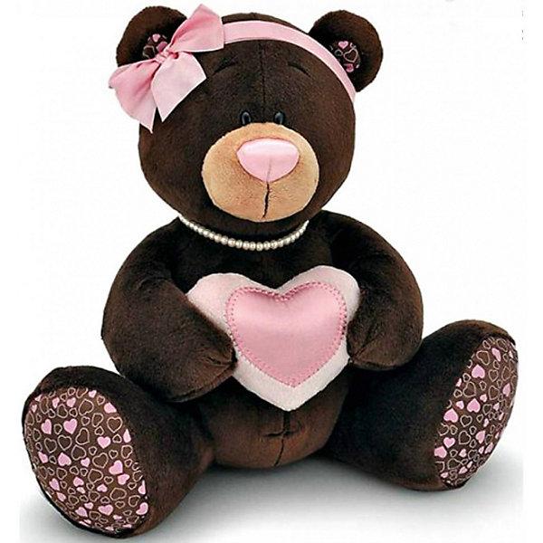 Мягкая игрушка Orange Медведь Milk с сердцем, 20 см (девочка)Мягкие игрушки животные<br>Характеристики товара:<br><br>• возраст: от 3 лет;<br>• цвет: коричневый;<br>• высота игрушки: 20 см.;<br>• состав: искусственный мех, текстиль, пластик, наполнитель;<br>• упаковка: подарочная картонная коробка;<br>• вес в упаковке: 300 гр.;<br>• бренд, страна: Orange, Россия;<br>• страна-производитель: Китай.<br><br>Мягкая игрушка «Медведь девочка Milk с сердцем» из коллекции ChocoMilk торговой марки Orange может привести в восторг многих детей. Послужит не только отличном подарком, но и украсит интерьер дома, придаст комнате атмосферу уюта и тепла. <br><br>Игрушка представляет собой плюшевого медвежонка-девочку, которая в руках держит большое розовое сердце. На голове у медведицы повязан дивный бантик, сделанный из нежно-розовой атласной ленты. Нитка нежного жемчуга придает образу медвежонка элегантности и великолепия. Мягкая игрушка изготовлена исключительно из качественных и безопасных материалов.<br><br>Все игрушки из коллекции ChocoMilk продаются в стильных крафт-коробочках с удобной ручкой и выглядят как полноценный подарок. Кроме того, после покупки упаковку нет смысла выбрасывать, так как коробочку легко можно превратить в домик для игры. К каждой коробочке прилагается картонная крыша, окно можно открывать, коробочку раскрашивать.<br><br>Мягкую игрушку «Медведь девочка Milk с сердцем», сидячий, 20 см., Orange можно купить в нашем интернет-магазине.<br>Ширина мм: 220; Глубина мм: 150; Высота мм: 200; Вес г: 150; Возраст от месяцев: 36; Возраст до месяцев: 180; Пол: Унисекс; Возраст: Детский; SKU: 7462217;