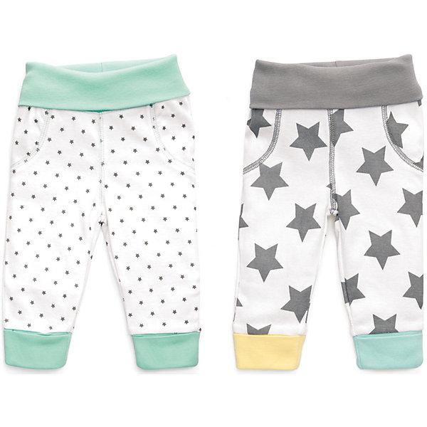 Трикотажные брюки: 2 шт. Happy BabyПолзунки и штанишки<br>Характеристики товара:<br><br>• цвет: белый/серый/мятный;<br>• состав ткани: 100% хлопок;<br>• сезон: круглый год;<br>• в комплекте; 2 шт. штанишек;<br>• высокий мягкий поясок;<br>• мягкие манжеты;<br>• удобная посадка по поясу и бедрам;<br>• коллекция: Newborn Fashion Collection;<br>• страна бренда: Россия;<br>• страна изготовитель: Китай.<br><br>Стильные джоггеры из коллекции предназначены для малышей с самого рождения и соответствуют требованиям родителей в отношении функциональности, высокого качества материалов и оптимального кроя! Эластичные манжеты и высокий поясок мягко фиксируют штанишки на ребенке и не доставляют ему лишних беспокойств, что очень удобно при коликах, т.к. поясок не будет пережимать мягкий нежный животик. <br><br>Натуральная, очень эластичная и мягкая ткань создана из длинноволокнистого, гипоаллергенного хлопка, отлично выводит лишнюю влагу с поверхности тела, не вызывает аллергию или раздражение на коже малыша. Специально разработанное лекало обеспечивает правильную комфортную посадку по поясу и бедрам ребенка, а воздушная цветовая гамма и принты со звёздами создают удивительно нежное и гармоничное сочетание.<br><br>Трикотажные брюки 2 шт. Happy Baby (Хеппи Беби) можно купить в нашем интернет-магазине.<br>Ширина мм: 157; Глубина мм: 13; Высота мм: 119; Вес г: 200; Цвет: белый/серый; Возраст от месяцев: 0; Возраст до месяцев: 3; Пол: Унисекс; Возраст: Детский; Размер: 56,80,74,68,62; SKU: 7468306;