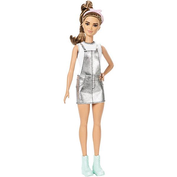 Кукла Barbie Игра с модой Сладкое серебро, 29 смКуклы<br>Характеристики товара:<br><br>• возраст: от 3 лет;<br>• материал: пластик, текстиль;<br>• высота куклы: 29 см;<br>• размер упаковки: 32,8х11,4х5,8 см;<br>• вес упаковки: 184 гр.;<br>• страна производитель: Китай.<br><br>Кукла Barbie из серии «Игра с модой» Сладкое серебро - куколка Барби, одетая в стильный наряд. Вся одежда куколки сшита из качественных материалов. У куклы подвижные ручки и ноги, благодаря чему они может принимать различные позы. У Барби густые мягкие волосы, которые можно расчесывать, украшать и заплетать.<br><br>Куклу Barbie из серии «Игра с модой» можно приобрести в нашем интернет-магазине.<br>Ширина мм: 328; Глубина мм: 114; Высота мм: 58; Вес г: 184; Возраст от месяцев: 36; Возраст до месяцев: 72; Пол: Женский; Возраст: Детский; SKU: 7522190;