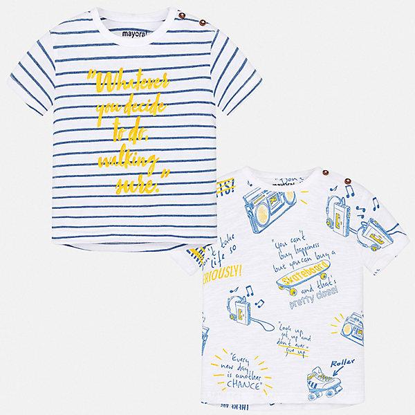 Комплект:2 футболки Mayoral для мальчикаКомплекты<br>Характеристики товара:<br><br>• цвет: белый<br>• комплектация: 2 шт<br>• состав ткани: 100% хлопок<br>• сезон: лето<br>• короткие рукава<br>• страна бренда: Испания<br>• стиль и качество<br><br>Каждая детская футболка с коротким рукавом из этого набора декорирована стильным принтом. Благодаря продуманному крою детской футболки создаются комфортные условия для тела. Эта футболка для мальчика отличается модным дизайном. <br><br>Комплект: 2 футболки Mayoral (Майорал) для мальчика можно купить в нашем интернет-магазине.<br>Ширина мм: 199; Глубина мм: 10; Высота мм: 161; Вес г: 151; Цвет: синий; Возраст от месяцев: 24; Возраст до месяцев: 36; Пол: Мужской; Возраст: Детский; Размер: 98,74,80,86,92; SKU: 7537863;