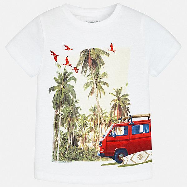 Футболка Mayoral для мальчикаФутболки, поло и топы<br>Характеристики товара:<br><br>• цвет: белый<br>• состав ткани: 100% хлопок<br>• сезон: лето<br>• короткие рукава<br>• страна бренда: Испания<br>• стиль и качество<br><br>Эта детская футболка отлично сочетается с различными брюками и шортами. Модная хлопковая футболка для мальчика от Майорал поможет обеспечить ребенку комфорт. В футболке для мальчика от испанской компании Майорал ребенок будет чувствовать себя удобно благодаря качественным швам и натуральному материалу. <br><br>Футболку Mayoral (Майорал) для мальчика можно купить в нашем интернет-магазине.<br>Ширина мм: 199; Глубина мм: 10; Высота мм: 161; Вес г: 151; Цвет: белый; Возраст от месяцев: 24; Возраст до месяцев: 36; Пол: Мужской; Возраст: Детский; Размер: 98,134,128,122,116,110,104,92; SKU: 7539306;