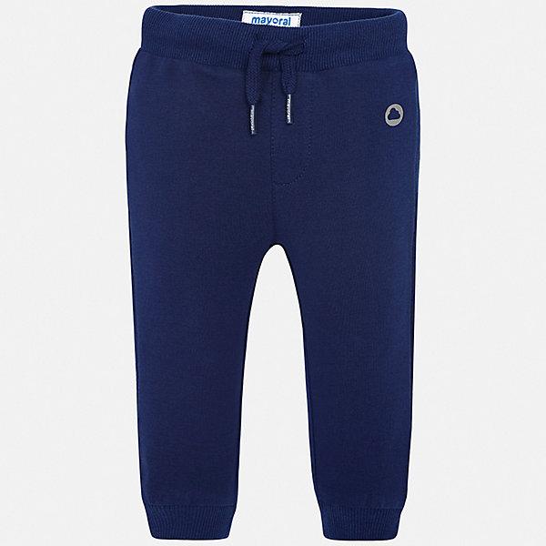 Брюки Mayoral для мальчикаДжинсы и брючки<br>Характеристики товара:<br><br>• цвет: синий<br>• состав ткани: 78% хлопок, 18% полиэстер, 4% эластан<br>• сезон: демисезон<br>• особенности модели: спортивный стиль<br>• пояс: шнурок<br>• страна бренда: Испания<br>• стиль и качество<br><br>Стильные спортивные брюки с резинками по низу брючин для мальчика от Майорал помогут обеспечить ребенку комфорт. Такие детские брюки отличаются стильным лаконичным дизайном. В спортивных брюках для мальчика от испанской компании Майорал ребенок будет чувствовать себя - комфортно. <br><br>Брюки Mayoral (Майорал) для мальчика можно купить в нашем интернет-магазине.<br>Ширина мм: 215; Глубина мм: 88; Высота мм: 191; Вес г: 336; Цвет: синий; Возраст от месяцев: 6; Возраст до месяцев: 9; Пол: Мужской; Возраст: Детский; Размер: 74,98,92,86,80; SKU: 7541986;