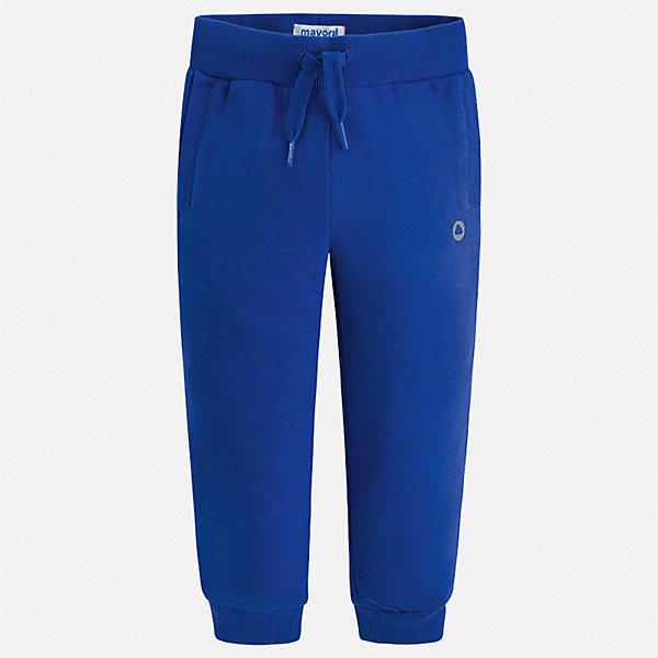 Брюки Mayoral для мальчикаБрюки<br>Характеристики товара:<br><br>• цвет: синий<br>• состав ткани: 78% хлопок, 18% полиэстер, 4% эластан<br>• сезон: демисезон<br>• особенности модели: спортивный стиль<br>• пояс: шнурок<br>• страна бренда: Испания<br>• стиль и качество<br><br>Такие детские брюки подойдут для занятий спортом и ежедневного ношения. Детские спортивные брюки сшиты из качественного материала с преобладанием хлопка в составе. Синие брюки спортивного силуэта для мальчика Mayoral отличаются мягкой резинкой и шнурком на талии. <br><br>Брюки Mayoral (Майорал) для мальчика можно купить в нашем интернет-магазине.<br>Ширина мм: 215; Глубина мм: 88; Высота мм: 191; Вес г: 336; Цвет: синий; Возраст от месяцев: 60; Возраст до месяцев: 72; Пол: Мужской; Возраст: Детский; Размер: 116,110,104,98,92,134,128,122; SKU: 7541992;