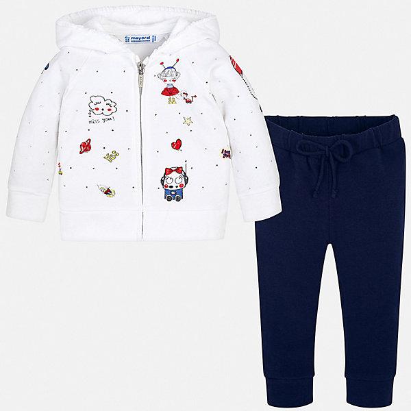 Спортивный костюм Mayoral для девочкиСпортивная одежда<br>Характеристики товара:<br><br>• цвет: синий, белый<br>• комплектация: толстовка, брюки<br>• состав ткани: 96% хлопок, 4% полиэстер<br>• сезон: круглый год<br>• особенности модели: спортивный стиль, с капюшоном<br>• застежка: молния<br>• пояс: резинка, шнурок<br>• длинные рукава<br>• страна бренда: Испания<br>• неповторимый стиль Mayoral<br><br>Качественные толстовка и брюки для ребенка от Майорал - отличный комплект для занятия спортом. В этом детском спортивном костюме - сразу две качественные и модные вещи. В спортивном костюме для ребенка от испанской компании Майорал ребенок будет чувствовать себя удобно благодаря высокому качеству материала и швов. <br><br>Спортивный костюм Mayoral (Майорал) для девочки можно купить в нашем интернет-магазине.<br>Ширина мм: 247; Глубина мм: 16; Высота мм: 140; Вес г: 225; Цвет: синий; Возраст от месяцев: 6; Возраст до месяцев: 9; Пол: Женский; Возраст: Детский; Размер: 74,98,92,86,80; SKU: 7545983;