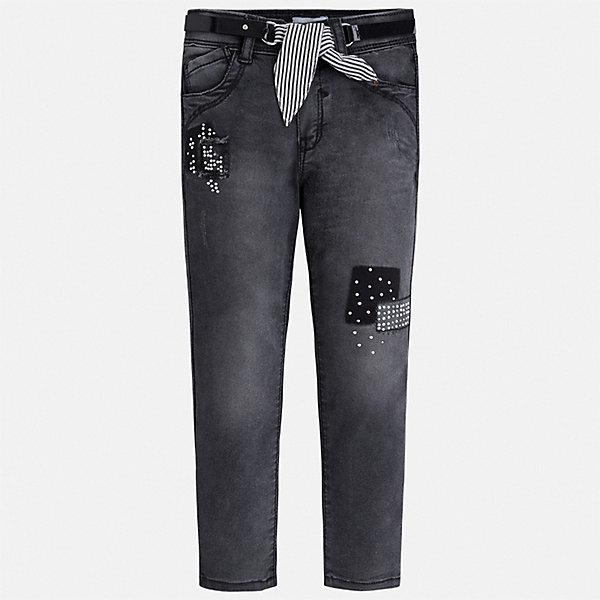 Джинсы Mayoral для девочкиДжинсовая одежда<br>Характеристики товара:<br><br>• цвет: серый<br>• комплектация: брюки, ремень<br>• состав ткани: 98% хлопок, 2% эластан<br>• сезон: демисезон<br>• особенности модели: с эффектом потертостей<br>• шлевки<br>• регулируемая талия<br>• застежка: пуговица<br>• страна бренда: Испания<br>• стиль и качество Mayoral<br><br>Практичные и модные детские джинсы подойдут для ношения в разных случаях. Отличный способ обеспечить ребенку тепло и комфорт - надеть эти джинсы от Mayoral. Детские джинсы сшиты из качественного материала с преобладанием хлопка в составе. Джинсы для девочки Mayoral дополнены шлевками. <br><br>Джинсы Mayoral (Майорал) для девочки можно купить в нашем интернет-магазине.<br>Ширина мм: 215; Глубина мм: 88; Высота мм: 191; Вес г: 336; Цвет: черный; Возраст от месяцев: 18; Возраст до месяцев: 24; Пол: Женский; Возраст: Детский; Размер: 92,134,128,122,116,110,104,98; SKU: 7549277;