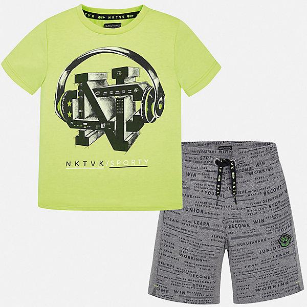 Комплект:Футболка,шорты Mayoral для мальчикаКомплекты<br>Характеристики товара:<br><br>• цвет: зеленый<br>• комплектация: шорты, футболка<br>• состав ткани: 100% хлопок<br>• сезон: лето<br>• особенности модели: спортивный стиль<br>• пояс: резинка, шнурок<br>• короткие рукава<br>• страна бренда: Испания<br>• неповторимый стиль Mayoral<br><br>Хлопковый летний комплект - футболка с принтом и шорты для мальчика от Майорал - отлично сочетается между собой, а также с другими вещами. В этом детском наборе - две качественные вещи. В футболке и шортах для мальчика от испанской компании Майорал ребенок будет выглядеть модно, а чувствовать себя - удобно. <br><br>Комплект: шорты, футболка Mayoral (Майорал) для мальчика можно купить в нашем интернет-магазине.<br>Ширина мм: 230; Глубина мм: 40; Высота мм: 220; Вес г: 250; Цвет: серый; Возраст от месяцев: 96; Возраст до месяцев: 108; Пол: Мужской; Возраст: Детский; Размер: 128/134,170,164,158,152,140; SKU: 7556721;