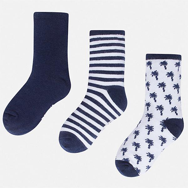 Комплект:3 пары носок Mayoral для мальчикаНоски<br>Характеристики товара:<br><br>• цвет: мульти<br>• комплектация: 3 пары<br>• состав ткани: 70% хлопок, 27% полиамид, 3% эластан<br>• сезон: круглый год<br>• страна бренда: Испания<br>• неповторимый стиль Mayoral<br><br>Мягкие носки для мальчика от популярного бренда Mayoral отличаются оригинальным декором. Детские носки смотрятся аккуратно и нарядно. В таких носках для детей от испанской компании Майорал ребенок будет выглядеть модно, а чувствовать себя - комфортно. <br><br>Комплект: 3 пары носков Mayoral (Майорал) для мальчика можно купить в нашем интернет-магазине.<br>Ширина мм: 87; Глубина мм: 10; Высота мм: 105; Вес г: 115; Цвет: синий; Возраст от месяцев: 24; Возраст до месяцев: 36; Пол: Мужской; Возраст: Детский; Размер: 24-26,33-35,30-32,27-29; SKU: 7557044;