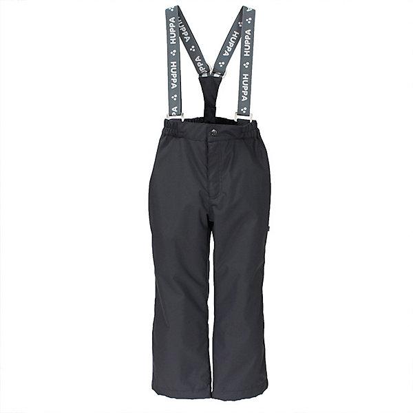Брюки TEVIN HuppaВерхняя одежда<br>Характеристики товара:<br><br>• цвет: тёмно-серый; <br>• модель: Tevin;<br>• состав: 100% полиэстер;<br>• подкладка: 100% полиэстер, тафта;<br>• утеплитель: 100% полиэстер, 40 гр.;<br>• сезон: демисезон;<br>• температурный режим: от -5 до +10С;<br>• водонепроницаемость: 10000 мм ;<br>• воздухопроницаемость: 10000 г/м2/24ч;<br>• ветронепродуваемые;<br>• застежка: ширинка на молнии и пуговица;<br>• сидельный шов проклеен;<br>• регулируемый низ брючин;<br>• эластичный шнур-фиксатор по низу брючин;<br>• съёмные эластичные подтяжки;<br>• внутренние петли для подтяжек;<br>• светоотражающие детали;<br>• страна бренда: Эстония;<br>• страна изготовитель: Эстония.<br><br>Утепленные брюки на подтяжках сделаны из материала, отталкивающего воду, дополнены подкладкой из тафты и утеплителем, поэтому изделие идеально подходит для межсезонья. Материал изделия - с мембранной технологией: защищает от влаги и ветра, ветронепродуваемые. Демисезонные брюки имеют съёмные подтяжки, регулируемый низ брючин и проклеенный сидельный шов.<br><br>Брюки TEVIN от бренда Huppa (Хуппа) можно купить в нашем интернет-магазине.<br>Ширина мм: 215; Глубина мм: 88; Высота мм: 191; Вес г: 336; Цвет: темно-серый; Возраст от месяцев: 72; Возраст до месяцев: 84; Пол: Унисекс; Возраст: Детский; Размер: 122,152,146,140,134,128; SKU: 7571012;
