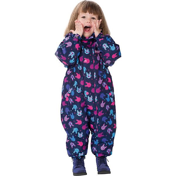 Комбинезон Premont для девочкиВерхняя одежда<br>Характеристики товара:<br><br>• цвет: синий;<br>• состав ткани: мембрана, Pongee, с переплетением rip stop;<br>• подкладка: хлопок, taffeta (только рукава, брючины);<br>• утеплитель, плотность: Tech-Polyfill, 100 г/м?;<br>• сезон: демисезон;<br>• температурный режим: от -5 до +10;<br>• водонепроницаемость: 3000 мм;<br>• паропроницаемость: 3000 г/м2;<br>• съемный капюшон на молнии; <br>• утяжка капюшона; <br>• внешняя ветрозащитная планка на липучках; <br>• удлинённая молния для лёгкого одевания, защита подбородка; <br>• эластичные манжеты на рукавах и брючинах; <br>• светоотражающие элементы (шнур, нашивки); <br>• съемные варежки и пинетки в размерах 6 мес -12 мес, съемные силиконовые штрипки с 18 мес; <br>• внутренняя хлопковая отделка манжеты на рукавах; <br>• внутренняя этикетка с местом для имени;  <br>• эластичная резинка по талии ; <br>• два кармана на липучках; <br>• светоотражающие пуллеры с логотипом;<br>• страна бренда: Канада;<br>• страна изготовитель: Китай.<br><br>Комбинезон Premont для девочки «Плюшевое настроение» - яркий и легкий комбинезон отличается стильным дизайном и веселым принтом из коллекции Весна 2018 года. Изготовлен из высокотехнологичного материала – мембрана, защищает от ветра и влаги снаружи, сохраняет тепло и сухой климат внутри.<br><br>Специальная структура переплетения нитей Rip Stop обеспечивает высокую прочность одежды как во время прогулок, так и при занятии активными видами спорта. <br>Утеплитель нового поколения Tech-Polyfill и современные подкладочные ткани Taffeta и Jersey обладают теплоизолирующими и гипоаллергенными свойствами. <br><br>Комбинезон Premont для девочки «Плюшевое настроение» можно купить в нашем интернет-магазине.<br>Ширина мм: 356; Глубина мм: 10; Высота мм: 245; Вес г: 519; Цвет: темно-синий; Возраст от месяцев: 3; Возраст до месяцев: 6; Пол: Женский; Возраст: Детский; Размер: 68,98,92,86,80,74; SKU: 7580084;