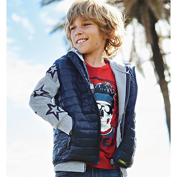 Жилет iDO для мальчикаВерхняя одежда<br>Характеристики товара:<br><br>• цвет: синий<br>• состав ткани: 100% полиэстер<br>• подкладка: 100% полиэстер<br>• сезон: демисезон<br>• особенности модели: стеганая, с капюшоном<br>• застежка: молния<br>• страна бренда: Италия<br><br>Стильный детский жилет дополнен удобным капюшоном. Этот жилет для ребенка разработан итальянскими дизайнерами популярного бренда iDO, который выпускает модные и удобные вещи для детей. Жилет для мальчика застегивается на молнию.<br><br>Жилет iDO (АйДу) для мальчика можно купить в нашем интернет-магазине.<br>Ширина мм: 356; Глубина мм: 10; Высота мм: 245; Вес г: 519; Цвет: темно-синий; Возраст от месяцев: 84; Возраст до месяцев: 96; Пол: Мужской; Возраст: Детский; Размер: 128,170,164,152,140; SKU: 7589137;