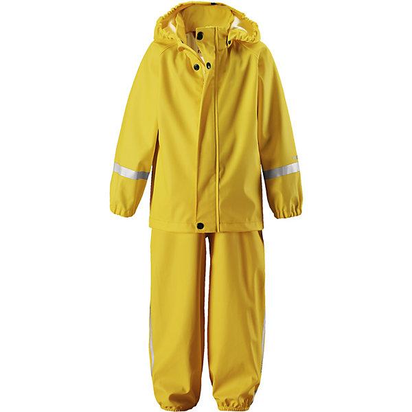 Непромокаемый комплект: куртка и брюки Tihku ReimaОдежда<br>Характеристики товара:<br><br>• цвет: жёлтый;<br>• состав: 100% полиэстер, полиуретановое покрытие;<br>• сезон: демисезон;<br>• температурный режим: от +10 до +20С;<br>• водонепроницаемость: 10000 мм;<br>• застёжка: молния с защитой подбородка;<br>• водонепроницаемый материал с запаянными швами;<br>• эластичный материал;<br>• не содержит ПВХ;<br>• безопасный съёмный капюшон;<br>• эластичные манжеты на рукавах и брючинах;<br>• регулируемая талия;<br>• съёмные эластичные штрипки;<br>• регулируемые подтяжки;<br>• светоотражающие детали;<br>• страна бренда: Финляндия.<br><br>Непромокаемый комплект на дождливую погоду без подкладки для малышей предназначен для весенних и осенних прогулок под дождем – а с теплым промежуточным слоем защитит и в морозные дни. Запаянные водонепроницаемые швы гарантируют, что ни одна капелька не просочится вовнутрь. Съемный капюшон защищает от ветра и безопасен во время игр на свежем воздухе даже во время дождя. <br><br>Благодаря эластичным регулируемым подтяжкам брюки-дождевики не будут спадать и сядут точно по фигуре. Съемные штрипки легко крепятся под резиновыми сапогами или непромокаемыми кроссовками и не дают брючинам задираться. Этот комплект для дождя без содержания ПВХ снабжен светоотражающими деталями, благодаря которым маленьких непосед будет хорошо видно даже после наступления темноты.<br><br>Комплект Reima от финского бренда Reima (Рейма) можно купить в нашем интернет-магазине.<br>Ширина мм: 356; Глубина мм: 10; Высота мм: 245; Вес г: 519; Цвет: желтый; Возраст от месяцев: 6; Возраст до месяцев: 9; Пол: Унисекс; Возраст: Детский; Размер: 74,116,110,104,98,92,86,80; SKU: 7628333;