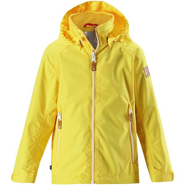 Куртка Soutu Reima для мальчикаОдежда<br>Характеристики товара:<br><br>• цвет: жёлтый;<br>• состав: 100% полиамид, полиуретановое покрытие;<br>• подкладка: 100% полиэстер;<br>• без дополнительного утепления;<br>• сезон: демисезон;<br>• температурный режим: от +5° до +15°С;<br>• водонепроницаемость: 8000 мм;<br>• воздухопроницаемость: 7000 мм;<br>• износостойкость: 30000 циклов (тест Мартиндейла);<br>• застёжка: молния с защитой подбородка;<br>• водо- и ветронепроницаемый, «дышащий» и грязеотталкивающий материал;<br>• водо- и грязеотталкивающая пропитка без содержания фторуглеродов BIONIC-FINISH®ECO;<br>• основные швы проклеены и водонепроницаемы;<br>• подкладка из mesh-сетки;<br>• безопасный, съёмный капюшон;<br>• регулируемый подол и манжеты;<br>• карман со специальными креплениями для сенсора ReimaGO® в моделях 104 размера и более;<br>• два кармана на молнии;<br>• светоотражающие детали;<br>• страна бренда: Финляндия.<br><br>Все основные швы в этой демисезонной детской куртке Reimatec® герметично запаяны, а сама она сшита из водо- и ветронепроницаемого, грязеотталкивающего, но при этом дышащего материала. Безопасный съемный капюшон легко отстегивается, если случайно за что-нибудь зацепится, а ключи от дома будут надежно спрятаны в карманах на молнии. Благодаря регулируемым манжетам и подолу куртка хорошо прилегает к телу и не пропускает ветер.<br><br>Куртку Reima от финского бренда Reima (Рейма) можно купить в нашем интернет-магазине.<br>Ширина мм: 356; Глубина мм: 10; Высота мм: 245; Вес г: 519; Цвет: желтый; Возраст от месяцев: 132; Возраст до месяцев: 144; Пол: Мужской; Возраст: Детский; Размер: 152,92,98,104,110,116,122,128,134,140,146; SKU: 7632444;