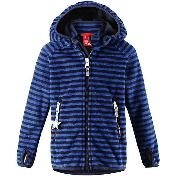 Куртка Vuoksi ReimaОдежда<br>Характеристики товара:<br><br>• цвет: синий в полоску;<br>• состав: 100% полиэстер, полиуретановое покрытие, флис;<br>• подкладка: 100% хлопок, джерси;<br>• без дополнительного утепления;<br>• сезон: демисезон;<br>• температурный режим: от +5° до +15°С;<br>• водонепроницаемость: 3000 мм;<br>• воздухопроницаемость: 3000 мм;<br>• застёжка: молния с защитой подбородка;<br>• куртка из материала windfleece для детей;<br>• из ветронепроницаемого материала, но изделие «дышит»;<br>• материал jersey на оборотной стороне;<br>• водоотталкивающий, ветронепроницаемый и «дышащий» материал;<br>• безопасный съёмный капюшон;<br>• эластичная резинка на кромке капюшона, манжетах и подоле;<br>• отверстие для большого пальца на манжете;<br>• два кармана на молнии;<br>• светоотражающие детали;<br>• страна бренда: Финляндия.<br><br>В этой куртке Reima из материала windfleece маленьких покорителей погоды не остановит ни дождь, ни ветер! Эластичная куртка сшита из дышащего флиса с внутренней ветронепроницаемой мембраной. Она брызгозащищенная и водонепроницаемая. Удлиненные рукава с отверстиями для больших пальцев защищают маленькие запястья от холода. <br>Съемный капюшон обеспечивает защиту от холодного весеннего и осеннего ветра, а также безопасен во время игр на свежем воздухе! Два кармана на молнии надежно сохранят все важные мелочи во время веселых игр на воздухе. Эта куртка предназначена для подвижных детей и для любых видов активного отдыха на свежем воздухе – а в мороз ее можно поддевать в качестве промежуточного слоя под зимнюю куртку.<br><br>Куртку Reima от финского бренда Reima (Рейма) можно купить в нашем интернет-магазине.<br>Ширина мм: 356; Глубина мм: 10; Высота мм: 245; Вес г: 519; Цвет: синий; Возраст от месяцев: 108; Возраст до месяцев: 120; Пол: Унисекс; Возраст: Детский; Размер: 140,92,98,104,110,116,122,128,134; SKU: 7632672;