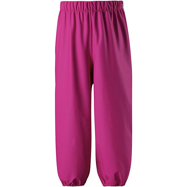 Непромокаемые брюки Oja ReimaОдежда<br>Характеристики товара:<br><br>• цвет: розовый;<br>• состав: 100% полиамид, полиуретановое покрытие;<br>• без подкладки;<br>• без дополнительного утепления;<br>• сезон: демисезон;<br>• водонепроницаемость: 10000 мм;<br>• застёжка: брюки на резинке;<br>• запаянные швы, не пропускающие влагу;<br>• эластичный материал;<br>• без ПВХ;<br>• эластичная талия;<br>• эластичные манжеты на брючинах;<br>• съемные штрипки в размерах от 104 до 128 см;<br>• светоотражающие детали;<br>• страна бренда: Финляндия.<br><br>Эти классические детские брюки для дождливой погоды очень просторные – под них можно свободно поддеть теплую одежду. Запаянные швы не пропустят вовнутрь ни одной капельки, ведь эти прочные непромокаемые брюки специально созданы для максимальной защиты во время веселых игр под дождем. Благодаря эластичной талии брюки отлично сидят, а съемные штрипки в размерах 104-128 см не дают брючинам задираться. Светоотражающие детали помогут лучше разглядеть ребенка в темное время суток. Материал не содержит ПВХ.<br><br>Брюки Reima от финского бренда Reima (Рейма) можно купить в нашем интернет-магазине.<br>Ширина мм: 215; Глубина мм: 88; Высота мм: 191; Вес г: 336; Цвет: розовый; Возраст от месяцев: 36; Возраст до месяцев: 48; Пол: Унисекс; Возраст: Детский; Размер: 104,140,134,128,122,116,110; SKU: 7633033;