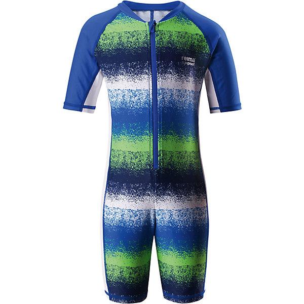 Купальный костюм Galapagos ReimaОдежда<br>Характеристики товара:<br><br>• цвет: синий в полоску;<br>• состав: 80% Полиамид, 20% эластан;<br>• сезон: лето;<br>• застёжка: молния с защитой подбородка;<br>• купальный комбинезон для малышей SunProof;<br>• рукава до локтей и штанины до колен;<br>• фактор защиты от ультрафиолета 50+;<br>• Reima SunProof®;<br>• полуавтоматическая застежка на молнии, защищающая от случайного открытия;<br>• принт по всей поверхности;<br>• страна бренда: Финляндия.<br><br>Этот цельный купальный костюм сделает принятие солнечных ванн безопасными. Купальный костюм для детей из материала SunProof предназначен как для веселых плесканий в воде, так и для игр на пляже. Купальный костюм обеспечивает эффективную защиту от вредных солнечных лучей вплоть до локтей и колен благодаря УФ-фильтру 50+. Еще этот эластичный материал быстро сохнет, а молния спереди облегчает процесс одевания.<br><br>Купальный костюм Reima от финского бренда Reima (Рейма) можно купить в нашем интернет-магазине.<br>Ширина мм: 183; Глубина мм: 60; Высота мм: 135; Вес г: 119; Цвет: синий; Возраст от месяцев: 18; Возраст до месяцев: 24; Пол: Унисекс; Возраст: Детский; Размер: 92,140,134,128,122,116,110,104,98; SKU: 7633372;
