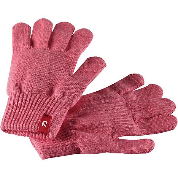 Перчатки Klippa ReimaПерчатки и варежки<br>Характеристики товара:<br><br>• цвет: розовый;<br>• состав: 90% хлопок, 9% полиэстер, 1% эластан;<br>• без подкладки;<br>• без дополнительного утепления;<br>• сезон: демисезон;<br>• температурный режим: от +5 до +15С<br>• без застёжки;<br>• специальный материал обеспечивает дополнительный комфорт;<br>• эластичный материал;<br>• хлопчатобумажная ткань;<br>• лёгкий стиль, без подкладки;<br>• эластичный кант на манжетах;<br>• страна бренда: Финляндия.<br><br>Эти перчатки для малышей и детей постарше выполнены из эластичного хлопчатобумажного трикотажа, дающего ощущение легкости и комфорта поздней весной и ранней осенью. Они идеально подойдут для поддевания под водонепроницаемые варежки и перчатки. Изготовлены из хлопчатобумажного трикотажа высокого качества и легко стираются в стиральной машине.<br><br>Перчатки Reima от финского бренда Reima (Рейма) можно купить в нашем интернет-магазине.<br>Ширина мм: 162; Глубина мм: 171; Высота мм: 55; Вес г: 119; Цвет: розовый; Возраст от месяцев: 6; Возраст до месяцев: 18; Пол: Унисекс; Возраст: Детский; Размер: 1,7,5,3; SKU: 7633448;