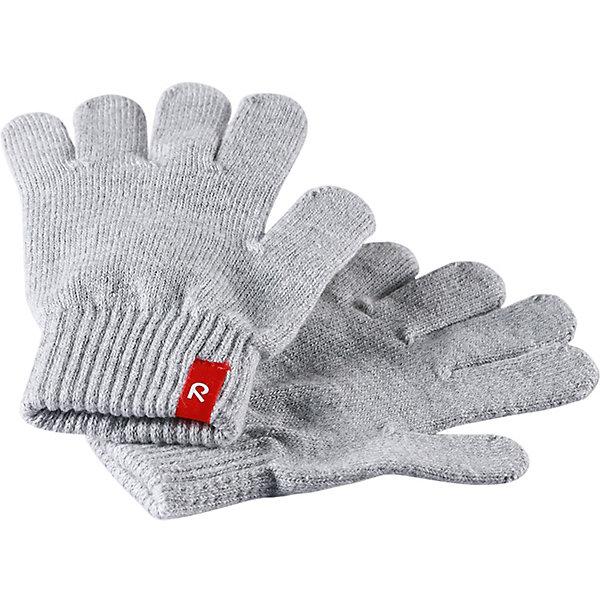 Перчатки ReimaПерчатки, варежки<br>Перчатки Reima <br>Эти перчатки для малышей и детей постарше выполнены из эластичного хлопчатобумажного трикотажа, дающего ощущение легкости и комфорта поздней весной и ранней осенью. Они идеально подойдут для поддевания под водонепроницаемые варежки и перчатки. Изготовлены из хлопчатобумажного трикотажа высокого качества и легко стираются в стиральной машине. Перчаток не может быть слишком много! <br>Состав:<br>90% Хлопок, 9% ПЭ, 1% эластан<br>Ширина мм: 162; Глубина мм: 171; Высота мм: 55; Вес г: 119; Цвет: серый; Возраст от месяцев: 72; Возраст до месяцев: 96; Пол: Унисекс; Возраст: Детский; Размер: 5,3,1,7; SKU: 7633458;