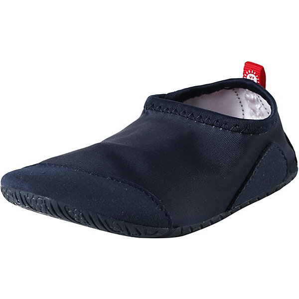 Тапки Twister ReimaОбувь<br>Тапки Reima <br>Идеальные тапки для пляжа или бассейна. Верх изготовлен из солнцезащитного, быстросохнущего материала, а подошва – из нескользящей резины. Рисунок протектора позволяет воде свободно вытекать из-под ног во время занятий в бассейне, а резиновый материал защищает маленькие ножки от стекла и острых палочек на пляже. Эти тапки легко надеваются и пригодны для машинной стирки, к тому же их можно использовать как тапочки для дома или детского сада.<br>Состав:<br>Подошва: Резина Верх: 90% Полиэстер, 10% Эластан Стелька: 100% Этиленвинилацетат Подкладка: -<br>Ширина мм: 248; Глубина мм: 135; Высота мм: 147; Вес г: 256; Цвет: синий; Возраст от месяцев: 24; Возраст до месяцев: 24; Пол: Унисекс; Возраст: Детский; Размер: 25,24,38,37,36,35,34,33,32,31,30,29,28,27,26; SKU: 7634827;