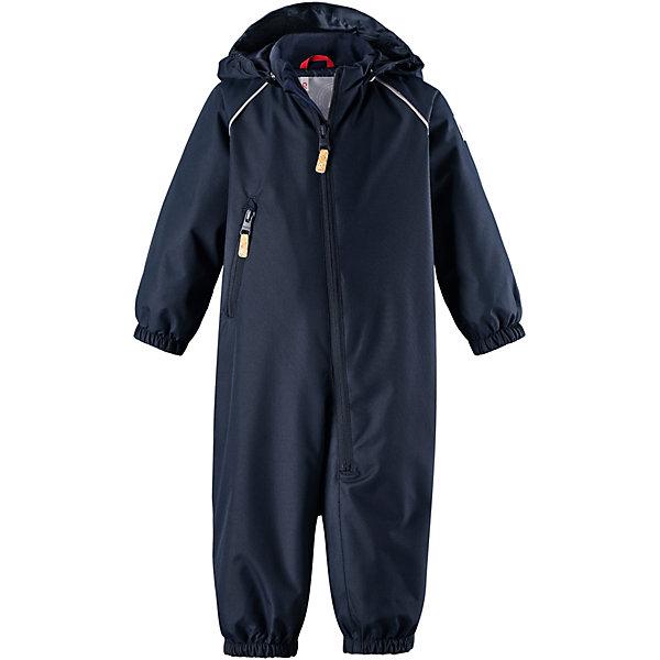 Комбинезон Splash ReimaВерхняя одежда<br>Характеристики товара:<br><br>• цвет: синий;<br>• состав: 100% полиамид, полиуретановое покрытие;<br>• подкладка: 100% полиэстер;<br>• без дополнительного утепления;<br>• сезон: демисезон;<br>• температурный режим: от +5° до +15°С;<br>• водонепроницаемость: 8000 мм;<br>• воздухопроницаемость: 7000 мм;<br>• износостойкость: 30000 циклов (тест Мартиндейла);<br>• застёжка: молния с защитой подбородка;<br>• основные швы проклеены и не пропускают влагу;<br>• водо- и ветронепроницаемый, «дышащий» и грязеотталкивающий материал;<br>• водо- и грязеотталкивающая пропитка без содержания фторуглеродов BIONIC-FINISH®ECO<br>• гладкая подкладка из полиэстера;<br>• безопасный съёмный капюшон;<br>• эластичные манжеты на рукавах и брючинах;<br>• внутренняя регулировка обхвата талии;<br>• карман на молнии;<br>• съёмные эластичные штрипки;<br>• светоотражающие детали;<br>• страна бренда: Финляндия.<br><br>При изготовлении демисезонного комбинезона использован водоотталкивающий материал, а все основные швы проклеены и водонепроницаемы. Этот материал очень функциональный — он ветронепроницаемый и грязеотталкивающий, но при этом отлично пропускает воздух. Гладкая подкладка из полиэстера облегчает надевание и не сковывает движения во время игр на свежем воздухе. <br><br>Съемный капюшон обеспечивает дополнительную безопасность во время прогулок, а съемные эластичные штрипки не дают брючинам задираться. В комбинезоне множество продуманных элементов, например карман на молнии и светоотражатели. Невероятно удобный комбинезон для активных любителей прогулок в любую погоду.<br><br>Комбинезон Reima от финского бренда Reima (Рейма) можно купить в нашем интернет-магазине.<br>Ширина мм: 356; Глубина мм: 10; Высота мм: 245; Вес г: 519; Цвет: синий; Возраст от месяцев: 6; Возраст до месяцев: 9; Пол: Унисекс; Возраст: Детский; Размер: 74,98,92,86,80; SKU: 7636395;