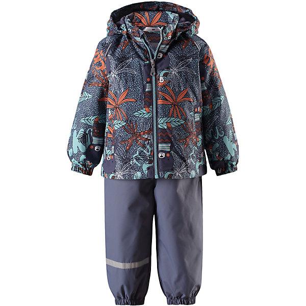Комплект LassieВерхняя одежда<br>Характеристики товара:<br><br>• цвет: серый;<br>• состав: 100% полиэстер, полиуретановое покрытие;<br>• подкладка: 100% полиэстер;<br>• без дополнительного утепления;<br>• сезон: демисезон;<br>• температурный режим: от +5 до +15С;<br>• водонепроницаемость: 1000 мм;<br>• воздухопроницаемость: 2000 мм;<br>• износостойкость: 20000 циклов (тест Мартиндейла);<br>• застёжка: молния с защитой подбородка;<br>• водоотталкивающий, ветронепроницаемый и дышащий материал;<br>• подкладка из mesh-сетки и гладкого полиэстера;<br>• безопасный, съёмный капюшон;<br>• эластичные манжеты на рукавах и брючинах;<br>• регулируемый подол;<br>• регулируемые эластичные подтяжки;<br>• съёмные штрипки;<br>• два прорезных кармана;<br>• светоотражающие детали;<br>• страна бренда: Финляндия.<br><br>Этот веселый детский демисезонный комплект идеально подойдет для активных маленьких путешественников и исследователей мира! Водоотталкивающему и ветронепроницаемому материалу не страшен небольшой дождик. Этот материал очень функциональный, и в то же время комфортный и дышащий. Брюки изготовлены из прочного материала и снабжены эластичными манжетами и съемными штрипками, чтобы не пустить внутрь холод и влагу. <br><br>Благодаря эластичной талии и регулируемым эластичным подтяжкам эти брюки удобно сидят точно по фигуре. Съемный капюшон защищает голову ребенка от пронизывающего ветра, к тому же он абсолютно безопасен — легко отстегнется, если вдруг за что-нибудь зацепится. Куртка снабжена множеством продуманных элементов, например прорезными карманами и светоотражателями. <br><br>Комплект Lassie (Ласси) можно купить в нашем интернет-магазине.<br>Ширина мм: 356; Глубина мм: 10; Высота мм: 245; Вес г: 519; Цвет: серый; Возраст от месяцев: 6; Возраст до месяцев: 9; Пол: Унисекс; Возраст: Детский; Размер: 74,98,92,86,80; SKU: 7636954;