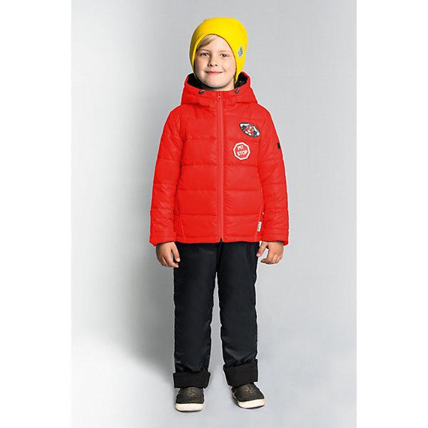 Комплект BOOM by Orby для мальчикаВерхняя одежда<br>Характеристики товара:<br><br>• цвет: красный/ черный;<br>• ткань верха (куртка): болонь pu (100% ПЭ);<br>• ткань верха (п/комбинезон):  таффета pu milky (100% ПЭ);<br>• подкладка (куртка): поликоттон; ПЭ пуходержащий (90% хлопок, 10% ПЭ);<br>• подкладка (п/комбинезон): флис; ПЭ пуходержащий (70% вискозак, 30% ПЭ);<br>• утеплитель: Flexy Fiber 150 г/м2;<br>• сезон: демисезон;<br>• температурный режим: от -5 до +10°С;<br>• высокая горловина;<br>• нашифки на груди;<br>• принт на спине;<br>• светоотражающие элементы;<br>• эластичные манжеты;<br>• два кармана;<br>• манжеты-отвороты;<br>• тип куртки: стеганая;<br>• капюшон: съемный, утяжка на шнурке;<br>• страна бренда: Россия.<br><br>Комплект: куртка и полукомбинезон BOOM by Orby для мальчика выполнен из практичной, качественной и износостойкой ткани, болонь и таффета с водоотталкивающими пропитками. Идеален на  межсезонье, в актуальных цветах с темой гонок в дизайне. Манженты-отвороты на курточке и брючках помогут комплекту прослужить не один сезон.  Гипоаллергенный утеплитель куртки защитит в прохладную погоду. Комплект подойдет и для прогулок и для школы/сада. <br><br>Комплект: куртку и брюки BOOM by Orby для мальчика можно купить в нашем интернет-магазине.<br>Ширина мм: 356; Глубина мм: 10; Высота мм: 245; Вес г: 519; Цвет: красный; Возраст от месяцев: 72; Возраст до месяцев: 84; Пол: Мужской; Возраст: Детский; Размер: 122,98,116,110,104,92,86; SKU: 7708762;