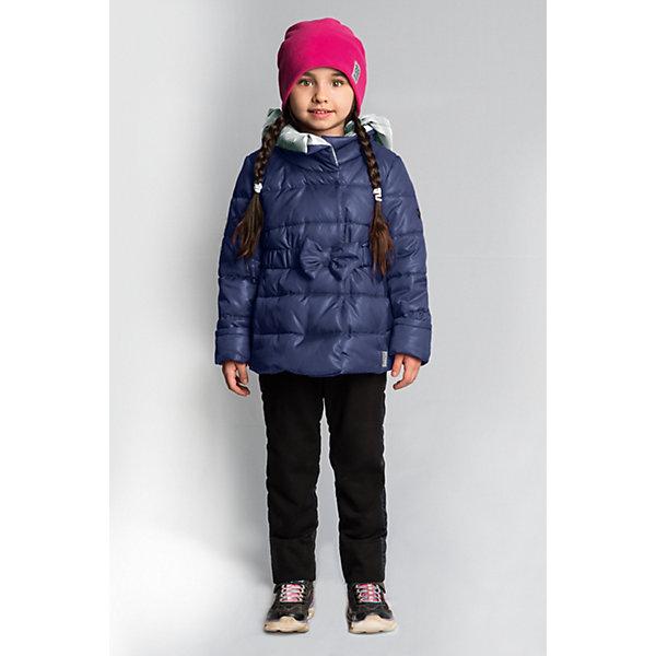 Комплект BOOM by Orby для девочкиВерхняя одежда<br>Характеристики товара:<br><br>• цвет: темно-синий/черный;<br>• ткань верха (куртка): таффета oil cire pu; таффета pu milky(100% ПЭ);<br>• ткань верха (брюки):  костюмный трикотаж с начесом;<br>• подкладка (куртка): поликоттон; ПЭ пуходержащий  (90% хлопок, 10% ПЭ);<br>• подкладка (брюки): флис; ПЭ пуходержащий (70% вискоза, 30% ПЭ);<br>• утеплитель: Flexy Fiber 150 г/м2;<br>• сезон: демисезон;<br>• температурный режим: от -5 до +10°С;<br>• эластичный ремень на талии с бантом;<br>• эластичные манжеты;<br>• два кармана;<br>• зауженные брюки на лямках;<br>• тип куртки: приталенная, стеганая;<br>• капюшон: съемный;<br>• страна бренда: Россия.<br><br>Комплект: куртка и брюки BOOM by Orby для девочки выполнен качественной и износостойкой ткани. Куртка выполнена в ярком и практичном темно-синем цвете, брюки в универсальном черном цвете. Гипоаллергенный утеплитель куртки защитит в прохладную погоду. Тёплый и очень женственный комплект для малышек. Приталенная курточка с бантом на поясе и зауженные брюки с подтяжками - идеально для маленьких модниц.  Комплект подойдет и для прогулок и для школы/сада. <br><br>Комплект: куртку и брюки BOOM by Orby для девочки можно купить в нашем интернет-магазине.<br>Ширина мм: 356; Глубина мм: 10; Высота мм: 245; Вес г: 519; Цвет: темно-синий; Возраст от месяцев: 60; Возраст до месяцев: 72; Пол: Женский; Возраст: Детский; Размер: 116,86,122,110,104,98,92; SKU: 7709032;