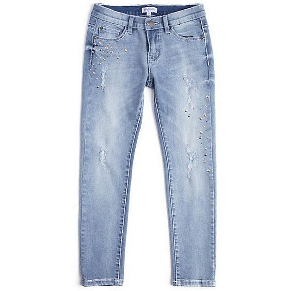 Джинсы PlayToday для девочкиДжинсы<br>Брюки PlayToday для девочки<br>Зауженные джинсы выполнены из натурального материала. 5-ти карманная модель. Пояс со шлевками, при необходимости можно использовать ремень. По ширине пояс регулируется за счет резинок на пуговицах. Модель декорирована потертостями и россыпью из заклепок.<br>Состав:<br>99% хлопок, 1% эластан<br>Ширина мм: 215; Глубина мм: 88; Высота мм: 191; Вес г: 336; Цвет: голубой; Возраст от месяцев: 36; Возраст до месяцев: 48; Пол: Женский; Возраст: Детский; Размер: 110,128,104,146/152,134/140,122,116; SKU: 7714989;