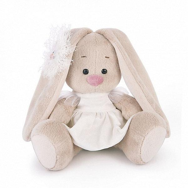 Мягкая игрушка Budi Basa Зайка Ми в белом платье с голубем, 15 смМягкие игрушки зайцы и кролики<br>Характеристики товара:<br><br>• возраст: от 3 лет;<br>• материал: текстиль, искусственный мех;<br>• высота игрушки: 15 см;<br>• размер упаковки: 15х14х15 см;<br>• вес упаковки: 270 гр.;<br>• страна производитель: Россия.<br><br>Мягкая игрушка «Зайка Ми  в белом платье с голубем» Budi Basa — очаровательный пушистый зайчонок с длинными ушками. На зайке красивое белое платье с рисунком. Игрушка выполнена из качественного безопасного материала, настолько приятного и мягкого, что ребенок будет брать с собой зайку в кроватку и спать в обнимку.<br><br>Мягкую игрушку «Зайка Ми  в белом платье с голубем» Budi Basa можно приобрести в нашем интернет-магазине.<br>Ширина мм: 135; Глубина мм: 135; Высота мм: 130; Вес г: 250; Цвет: бежевый; Возраст от месяцев: 36; Возраст до месяцев: 168; Пол: Унисекс; Возраст: Детский; SKU: 7771061;
