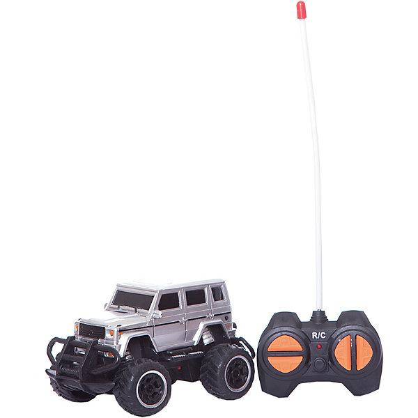 Радиоуправляемая машина Yako Toys Safari 1:43, тёмнаяРадиоуправляемые машины<br>Характеристики:<br><br>• тип игрушки: машина;<br>• возраст: от 3 лет;<br>• материал: пластик;<br>• комплектация: машинка, пульт;<br>• масштаб: 1:43; <br>• наличие батареек: в комплект не входят;<br>• цвет:  темный; <br>• вес: 300 гр;<br>• размер: 16х12х10 см;<br>• бренд: Yako.<br><br>Машина Yako радиоуправляемая выполнена в виде  внедорожника Safari  порадует ребенка высокой скоростью.Работает от батареек (в комплект не входят). Движение машинки во всех направлениях: вперед , назад, вправо , влево.  Радиоуправляемый джип оснащен крупными шипованными колесами, на которых он сможет легко преодолеть небольшие препятствия и проехать по различным типам дорог. Пульт радиоуправления позволит ребенку представить себя настоящим водителем. Масштаб 1:43.<br><br>Машину Yako радиоуправляемую можно купить в нашем интернет-магазине.<br>Ширина мм: 160; Глубина мм: 120; Высота мм: 100; Вес г: 300; Цвет: черный; Возраст от месяцев: 36; Возраст до месяцев: 6; Пол: Мужской; Возраст: Детский; SKU: 7920760;