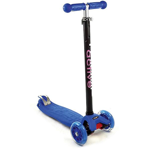 Трехколесный самокат Triumf Active Maxi Flash SKL 07-L,BlueСамокаты<br>Характеристики товара: <br><br>• возраст: от 3 лет;<br>• максимальная нагрузка: 60 кг;<br>• материал рамы: алюминий, пластик;<br>• диаметр передних колес 125 мм, заднего 80 мм;<br>• материал колес: полиуретан;<br>• светящиеся колеса;<br>• ножной тормоз Step-on-brake;<br>• подшипник АВЕС 7;<br>• регулировка высоты руля от 65 до 90 см;<br>• вес самоката: 2,6 кг;<br>• размер упаковки: 59х28х15 см;<br>• вес упаковки: 2,6 кг.<br><br>Трехколесный самокат Triumf Active Maxi Flash SKL 07-L синий — городской самокат для самых маленьких пользователей. Благодаря паре передних колес достигается хорошая устойчивость, что позволит малышам легко осваивать навыки катания на самокате и держать равновесие. Колеса выполнены из износостойкого полиуретана. Они развивают хорошую скорость и делают катание ровным и бесшумным. Светящиеся колеса делают катание еще эффектней. <br><br>Руль можно отрегулировать по мере роста ребенка. На ручках руля прорезиненные грипсы, которые не дадут ладоням соскальзывать во время езды. На заднем колесе ножной тормоз, который обеспечит быстрое торможение. Дека выполнена из прочного пластика и имеет рифленую нескользящую поверхность. Самокат легко складывается для переноски. <br><br>Трехколесный самокат Triumf Active Maxi Flash SKL 07-L синий можно приобрести в нашем интернет-магазине.<br>Ширина мм: 590; Глубина мм: 280; Высота мм: 150; Вес г: 2500; Цвет: синий; Возраст от месяцев: 36; Возраст до месяцев: 72; Пол: Унисекс; Возраст: Детский; SKU: 7925407;