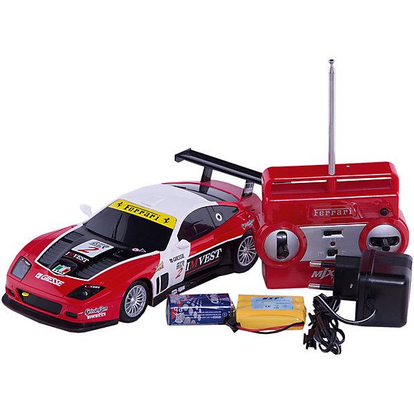 Радиуправляемая машинка MJX Ferrari 575 GTC, 1:20Радиоуправляемые машины<br>Характеристики товара:<br><br>• возраст: от 3 лет;<br>• материал: пластик;<br>• в комплекте: машина, пульт, аккумулятор, зарядное устройство, инструкция;<br>• тип батарейки: 1 батарейка «Крона» (для пульта);<br>• наличие батареек: в комплекте;<br>• масштаб: 1:20;<br>• дальность действия пульта: 20 метров;<br>• размер упаковки: 30х17х15 см;<br>• вес упаковки: 630 гр.<br><br>Радиоуправляемая машина Ferrari 575 GTC MJX — настоящая копия автомобиля Ferrari на радиоуправлении. Машина может ездить во всех направлениях и развивать скорость до 10 км/час. При движении вперед у нее 4 скорости, при движении назад — 3 скорости. Во время езды загораются фары, а при торможении стоп-сигналы. Резиновые колеса не шумят и не повреждают пол. Машинку можно использовать как дома, так и на улице. <br><br>Радиоуправляемую машину Ferrari 575 GTC MJX можно приобрести в нашем интернет-магазине.<br>Ширина мм: 300; Глубина мм: 170; Высота мм: 150; Вес г: 630; Возраст от месяцев: 36; Возраст до месяцев: 168; Пол: Унисекс; Возраст: Детский; SKU: 7925657;