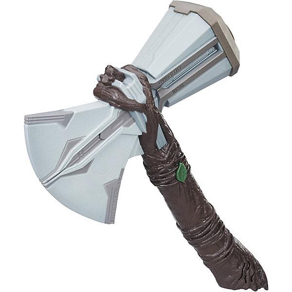 Интерактивное оружие Avengers Мстители Молот ТораИгрушечные мечи и щиты<br>Характеристики:<br><br>• возраст: от 5 лет;<br>• материал: пластик;<br>• звуковые эффекты;<br>• тип батареек: 2хААА;<br>• наличие батареек: в комплекте;<br>• вес упаковки: 460 гр.;<br>• размер упаковки: 8х24х34 см;<br>• страна бренда: США.<br><br>Интерактивный молот Тора от Hasbro издает звуки сражения, если нажать на кнопку в виде листка на рукояти. Игрушка выполнена по мотивам фильма «Мстители: Война бесконечности», имеет детализированный дизайн и небольшой вес. Молот отлично подходит для тематических игр, развивающих фантазию ребенка. Сделано из прочного безопасного материала.<br><br>Интерактивный молот Тора, «Мстители» можно купить в нашем интернет-магазине.<br>Ширина мм: 83; Глубина мм: 343; Высота мм: 241; Вес г: 450; Возраст от месяцев: 60; Возраст до месяцев: 120; Пол: Мужской; Возраст: Детский; SKU: 7984949;