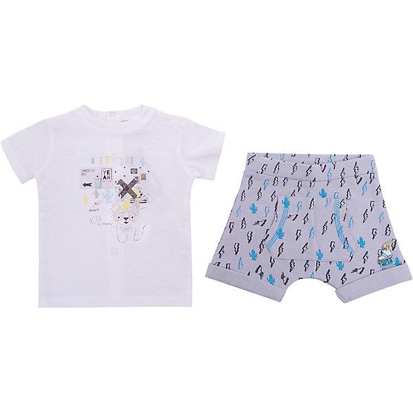 Комплект: футболка, шорты 3 Pommes для мальчикаКомплекты<br>Характеристики товара:<br><br>• цвет: белые<br>• комплектация: футболка, шорты<br>• состав ткани: 100% хлопок<br>• сезон: лето<br>• застежка: кнопки<br>• короткие рукава<br>• талия: резинка<br>• страна бренда: Франция<br><br>Удобный комплект для детей украшен симпатичным декором - бантом и оборками, он разработан специально для мальчиков. Такой комплект для ребенка от популярного бренда 3 Pommes из Франции - это футболка и шорты. Комплект сделан из дышащего натурального хлопка, дополнен кнопками для удобства одевания. <br><br>Комплект: футболка и шорты 3 Pommes (3 Поммис) для мальчика можно купить в нашем интернет-магазине.<br>Ширина мм: 199; Глубина мм: 10; Высота мм: 161; Вес г: 151; Цвет: светло-серый; Возраст от месяцев: 0; Возраст до месяцев: 6; Пол: Мужской; Возраст: Детский; Размер: 60,80,74,68,86; SKU: 8274149;