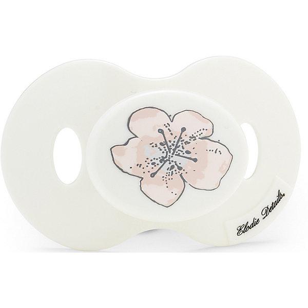 Силиконовая пустышка Elodie Details Embedding Bloom c 3 мес., бело-розоваяПустышки<br>Характеристики:<br><br>• возраст: от 3 месяцев;<br>• материал: тритан, силикон;<br>• вес упаковки: 20 гр.;<br>• размер упаковки: 5х8х14 см;<br>• страна бренда: Швеция.<br><br>Силиконовая пустышка Elodie Details имеет ортодонтическую форму, которая способствует правильному развитию челюстного аппарата ребенка. Дизайн изделия был разработан шведскими специалистами, учитывались практическая и эстетическая составляющие.<br><br>Соска сделана из тритана – современного гипоаллергенного материала, применяемого в медицине. Материал не впитывает запахи, в составе отсутствует бисфинол А. Пустышка соответствует европейскому стандарту для предметов по уходу за детьми EN-1400. Подходит только для холодной стерилизации.<br><br>Силиконовую пустышку Elodie Details Embedding Bloom c 3 мес., бело-розовую можно купить в нашем интернет-магазине.<br>Ширина мм: 50; Глубина мм: 80; Высота мм: 140; Вес г: 20; Цвет: розовый/белый; Возраст от месяцев: 3; Возраст до месяцев: 18; Пол: Женский; Возраст: Детский; SKU: 8298326;