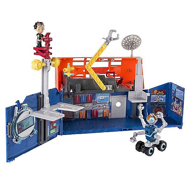Игровой набор Spin Master Расти-механик Строительная лаборатория РастиИгровые наборы с фигурками<br>Характеристики:<br><br>• возраст: от 3 лет<br>• материал: пластик<br>• в наборе: фигурка, строительная лаборатория, аксессуары<br>• тип батареек: 3хLR44<br>• наличие батареек: в комплекте<br>• особенности: звуковые и световые эффекты<br>• вес упаковки: 2,75 кг<br>• размер упаковки: 14х50,8х35,6 см<br>• страна бренда: Канада<br><br>«Строительная лаборатория Расти» Rusty Rivets от Spin Master представлена в виде раскладывающегося чемоданчика. Внутри двухэтажное пространство с входной дверью, рабочим лифтом, подвижным манипулятором и подъемником. Звук и свет включаются при нажатии на кнопку в сложенном виде. Сделано из качественных материалов.