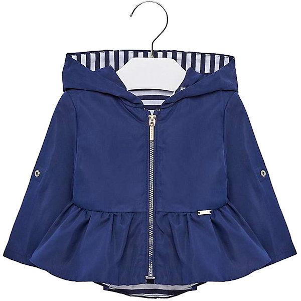 Куртка Mayoral для девочкиВерхняя одежда<br>Характеристики товара:<br><br>• состав ткани: 100% полиэстер<br>• подкладка: 100% хлопок<br>• сезон: демисезон<br>• застёжка: молния<br>• капюшон не отстёгивается<br>• страна бренда: Испания<br><br>Куртка-ветровка с мягкой дышащей подкладкой контрастного цвета. Длинные рукава дополнены декоративными пуговками на локтевом сгибе. Комфортный прямой крой и широкий капюшон не сковывают движений. По низу отрезные оборки в складку.