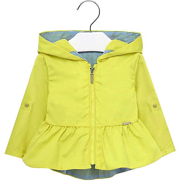 Ветровка MayoralКуртки<br>Характеристики товара:<br><br>• состав ткани: 100% полиэстер<br>• подкладка: 100% хлопок<br>• сезон: демисезон, лето<br>• застёжка: молния<br>• капюшон не отстёгивается<br>• страна бренда: Испания<br><br>Куртка-ветровка с мягкой дышащей подкладкой контрастного цвета. Длинные рукава дополнены декоративными пуговками на локтевом сгибе. Комфортный прямой крой и широкий капюшон не сковывают движений. По низу отрезные оборки в складку.