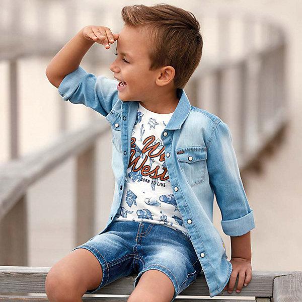Рубашка Mayoral для мальчикаДжинсовая одежда<br>Характеристики товара:<br><br>• состав ткани: 100% хлопок<br>• сезон: круглый год<br>• застёжка: пуговицы<br>• манжеты рукавов на пуговицах<br>• страна бренда: Испания<br><br>Рубашка с длинными рукавами изготовлена из джинсовой ткани с эффектом потёртостей. Модель имеет удобный крой и комфортна при носке. Изделие из натурального материала позволяет телу дышать. Манжеты можно подворачивать. На груди накладные карманы на пуговицах. Есть металлическая нашивка с логотипом бренда.
