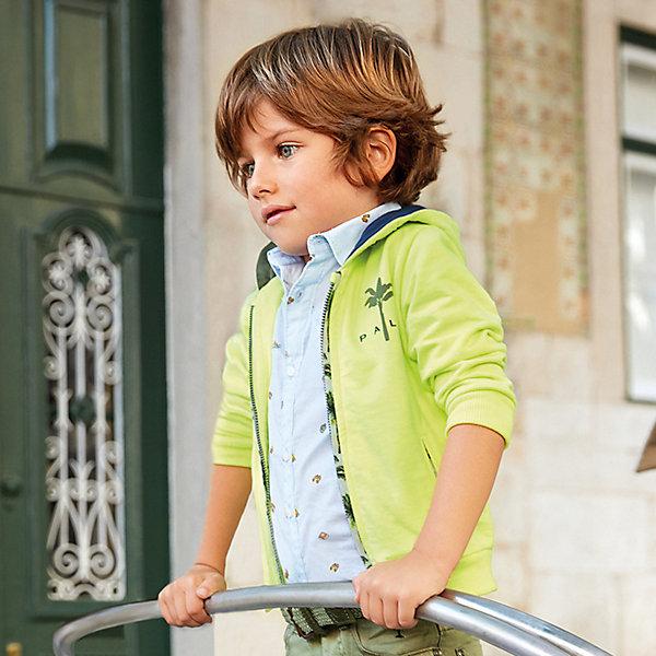 Рубашка MayoralБлузки и рубашки<br>Характеристики товара:<br><br>• состав ткани: 100% хлопок<br>• сезон: лето<br>• застёжка: пуговицы<br>• рубашка с коротким рукавом<br>• страна бренда: Испания<br><br>Рубашка изготовлена полностью из натуральной и дышащей ткани. Классический воротник. На груди прорезной кармашек. Комфортная посадка и свободный крой. Украшена рисунком.