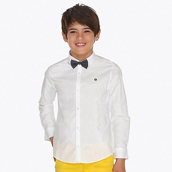 Рубашка Mayoral для мальчикаОдежда<br>Характеристики товара:<br><br>• состав ткани: 50% хлопок, 50% полиэстер<br>• состав галстука: 100% хлопок<br>• сезон: круглый год<br>• застёжка: пуговицы<br>• манжеты рукавов на пуговицах<br>• страна бренда: Испания<br><br>Рубашка дополнена съёмным галстуком-бабочкой с возможность регулировки обхвата. Рукава подворачиваются. Подходит для школы или торжественного случая. Натуральная ткань обеспечивает воздухообмен. Удобная посадка и комфортный крой.