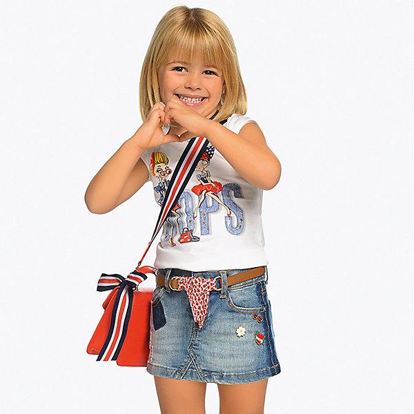 Джинсовая юбка MayoralДжинсовая одежда<br>Характеристики товара:<br><br>• состав ткани: 92% хлопок, 6% полиэстер, 2% эластан<br>• состав ремня: 70% полиуретан, 30% вискоза<br>• сезон: лето<br>• застёжка: пуговица<br>• особенности: джинсовая<br>• шлёвки для ремня<br>• страна бренда: Испания<br><br>Короткая юбка дополнена съёмным ремешком с текстильной завязкой. Обеспечивает комфортную посадку по талии, а свободный крой не сковывает движений. Функциональные карманы спереди и сзади. Декорирована аппликациями и эффектом потёртостей.