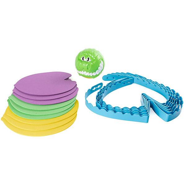 Игра Spin Master Croc-n-RollДля двоих<br>Характеристики:<br><br>• материал: пластик<br>• в наборе: 9 кувшинок (по 3 каждого цвета), границы болота, мяч-крокодил<br>• страна бренда: Канада<br><br>Игроки создают на полу границы водоема, чтобы получился круг. В него кладутся кувшинки – у каждого участника свой цвет. Задача детей прыгать по своим кувшинкам, уворачиваясь от быстрого мяча-крокодила, который катится по поверхности. Если зверь дотронулся ноги, ребенок убирает листок, на котором он стоял. Проигрывает тот, у кого не останется спасительных островков.