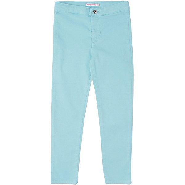 Брюки Original MarinesБрюки<br>Характеристики товара:<br><br>• состав ткани: 83% хлопок, 15% полиэстер, 2% эластан <br>• сезон: лето<br>• застёжка: пуговица<br>• страна бренда: Италия<br><br>Зауженные брюки однотонного цвета обладают дышащими свойствами, удобны и комфортны при носке. На талии нашивка с логотипом бренда. Сзади два накладных кармана.