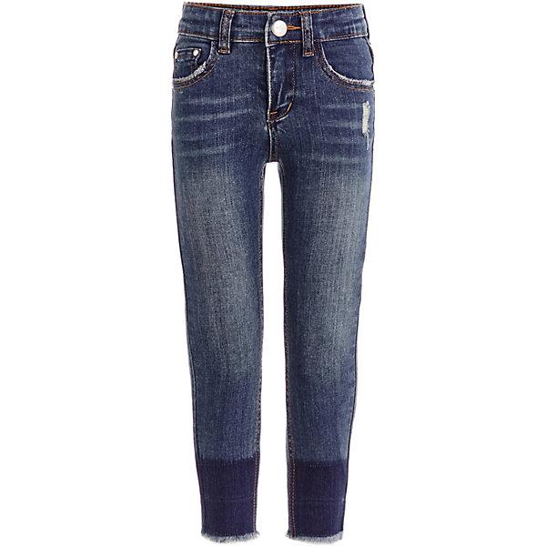 Джинсы Gulliver для девочкиДжинсовая одежда<br>Характеристики товара:<br><br>• состав ткани: 99% хлопок, 1% эластан<br>• сезон: демисезон<br>• застёжка: пуговица<br>• шлёвки для ремня<br>• страна бренда: Россия<br><br>Варёные джинсы зауженного кроя с эффектом потёртостей и повреждения ткани. Изготовлены из дышащего материала. Удобный крой обеспечит комфортную посадку по фигуре. Классическая пятикарманная модель. Контрастная нашивка с надписью бренда.