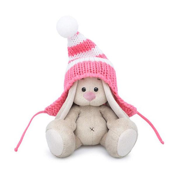 Мягкая игрушка Budi Basa Зайка Ми в полосатой розовой шапке, 15 смМягкие игрушки зайцы и кролики<br>Характеристики:<br><br>• серия: ЗайкаМи<br>• размер игрушки: 15 см<br>• материал: искусственный мех, текстиль, пластик<br>• набивка: полимерное волокно, полиэтиленовые гранулы<br>• упаковка: картонная коробка<br><br>Очаровательная зайка порадует своим оригинальным видом и качеством исполнения. Её удобно держать в руках, весело играть, а также приятно спать с ней.<br><br>Игрушка выполнена из безопасных материалов, комбинированная набивка хорошо держит форму. Аксессуары и фурнитура надежно закреплены на изделии. Упакована в фирменную коробку открытого типа.