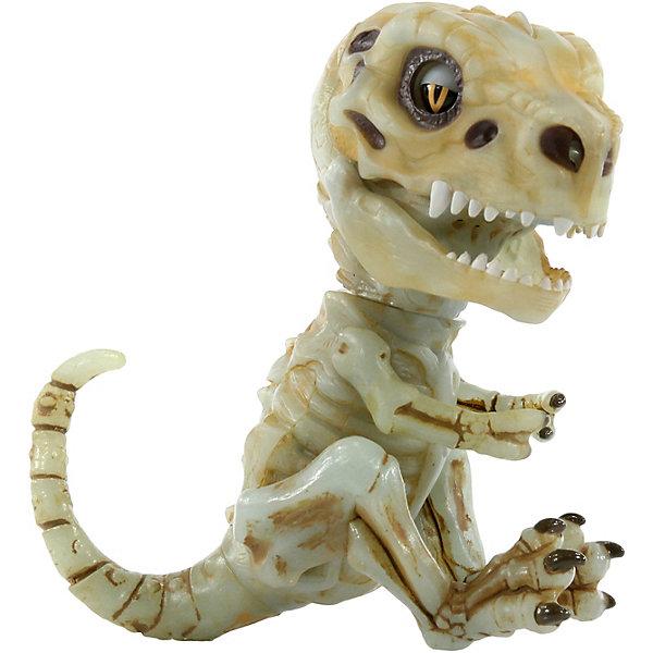 Интерактивный Скелетон WowWee Fingerlings ДуумИнтерактивные животные<br>Характеристики:<br><br>• высота: 12 см<br>• функции: моргает, вертит головой, открывает пасть при рычании<br>• в ответ на прикосновение выполняет более 40 различных действий<br>• светится в темноте<br>• издает более 40 звуков, характерных для динозавров<br>• игрушка умеет общаться с другими хищниками UNTAMED<br>• реагирует на движение и голос<br>• материал: пластмасса, резина<br>• тип батарейки: 4 батарейки LR44 (входят в комплект)<br>• страна бренда: Канада<br><br>Интерактивная игрушка реагирует на движения. Можно носить на пальце или повесить вверх ногами за хвост. Если подуть скелетону в мордочку - он чихнет. Если его укачивать - начнет храпеть.